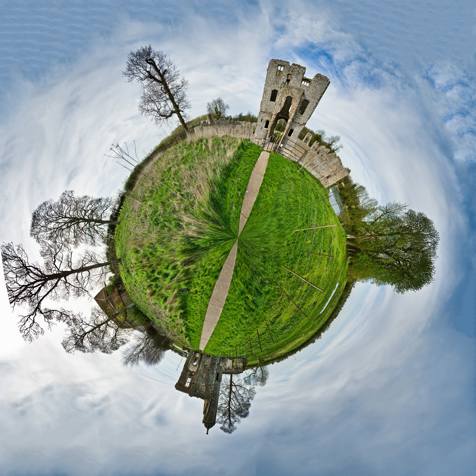 Baconsthorpe Castle 9 Mile Walk